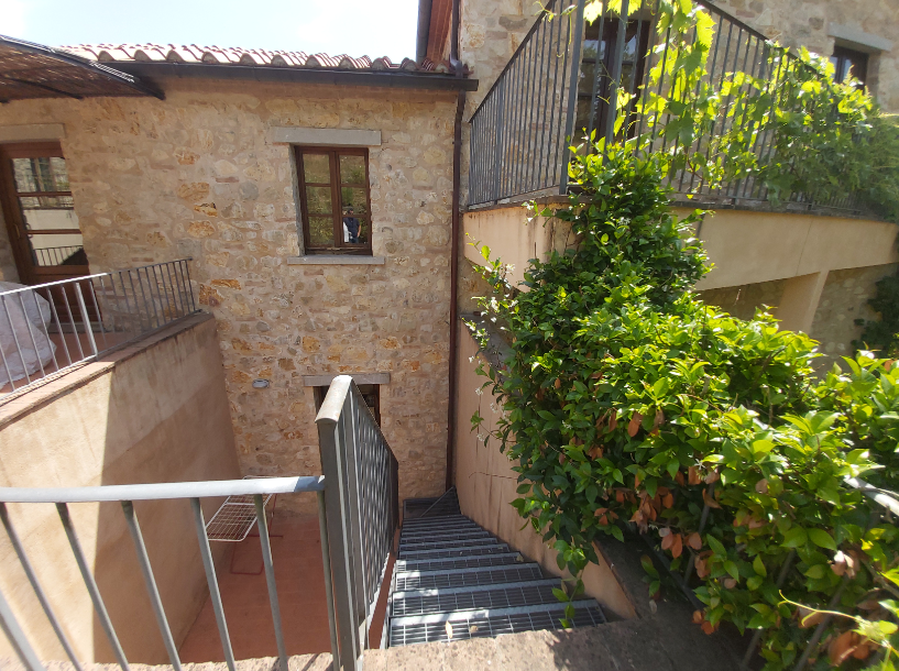 BILOCALE IN VENDITA – Gaiole in Chianti (Rif. A151)